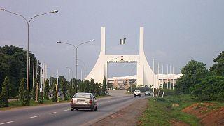 Nigeria : les défections se poursuivent au sein du parti au pouvoir