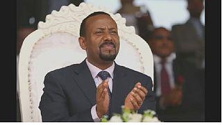 Des Éthiopiens valident les choix du premier ministre Abiy Ahmed