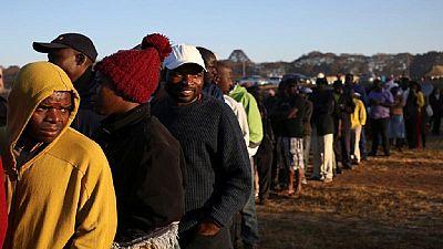 Élections au Zimbabwe : le taux de participation estimé à 70 %
