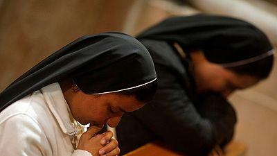 La vague de #MeeToo s'empare du Vatican : des sœurs accusent des prêtres d'abus sexuels