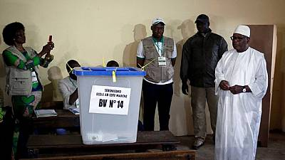 Malians vote in presidential run-off under the rain