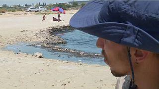 Nettoyer les plages tunisiennes : le défi de Mohamed Oussama
