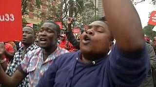 Manifestation des Kényans contre l'arrestation de députés ougandais [No Comment]
