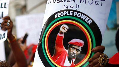 Ouganda : deux députés dont Bobi Wine autorisés à sortir du pays pour des raisons sanitaires