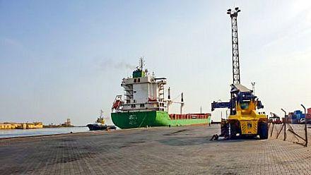 'Historic' Ethiopian commercial ship docks in Eritrea