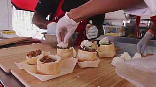 Afrique du Sud : le ''kota'', sandwich historique des townships à l'honneur