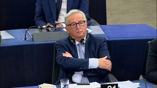 """""""Breves de Bruxelas"""": Voto contra Hungria e críticas a Juncker"""