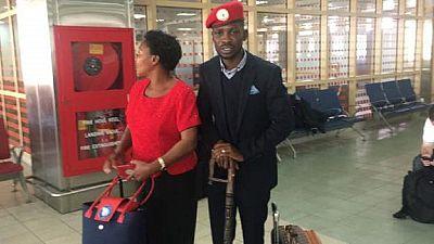 Ouganda : l'opposant Bobi Wine emmené par des policiers dès son retour