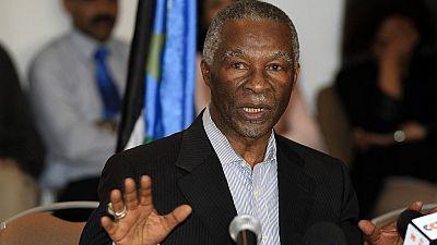 """Afrique du Sud : l'ex-président Mbeki accuse l'ANC d'être un """"parti de Noirs"""""""