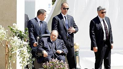 Algerian president chairs council of ministers meeting