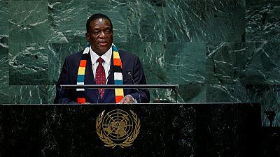 Le président zimbabwéen propose d'offrir un terrain de golf à Donald Trump