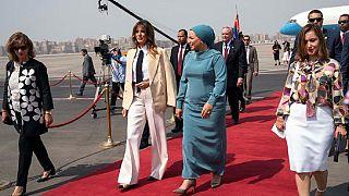 Melania Trump boucle sa tournée africaine en Égypte.
