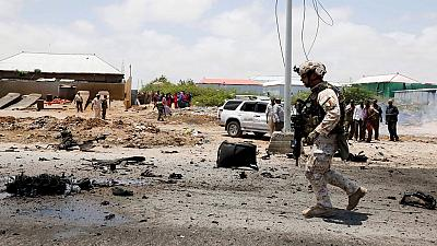 Suicide bombers kill at least sixteen in southern Somali city