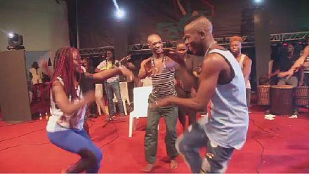 La danse pour ressusciter l'unité sociale au Mali