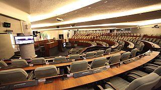 Algérie : 200 députés du pouvoir bloquent l'accès de l'Assemblée à son président