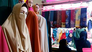 L'Algérie interdit la burqa à ses fonctionnaires