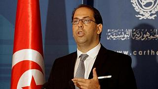Tunisian government undertakes to raise salaries of civil servants