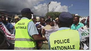 Rebels who fled the Anjouan Island have arrived in Mayotte Island and are seeking political asylum from the French government