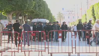 Tunisia: woman blows herself up in suicide attack, at least 9 injured