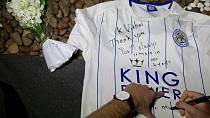 Bangkok: Leicester city fans pay tribute to late Chairman