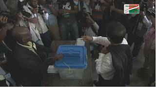 Madagascar elections: candidates cast votes