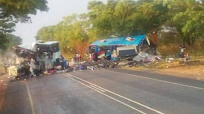 47 dead as buses collide in Zimbabwe