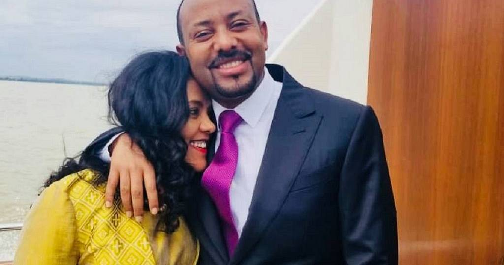Photos: Ethiopia PM cheered for publicly showing affection to first