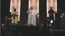 Au Mali, Salif Keïta chante en mémoire d'une fillette albinos assassinée