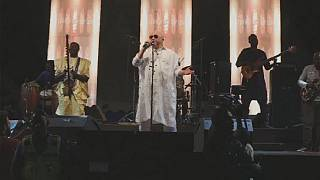 Au Mali, Salif Keïta chante en mémoire d'une fillette albinos assassinée