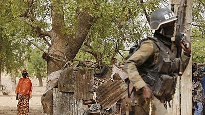 Yaoundé lance un processus de désarmement dans les zones en conflit
