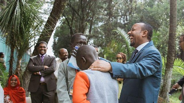 [Photos] Éthiopie : chaleureux échanges entre le Premier ministre échange et la jeunesse