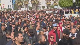 Tunisia: teachers protest low wages