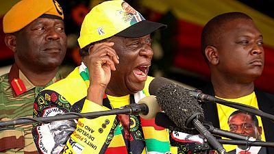Mnangagwa encouragé à demeurer au pouvoir