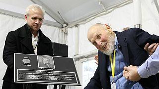 """Nobels 2018 de la Physique: les """"pincettes optiques'' expliquées par leur auteur"""