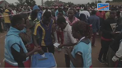 DRC elections:Hundreds vote without voting machines in Beni