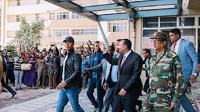 Photos: Ethiopia PM makes unannounced 'supervision visits' to govt offices