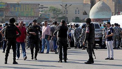 Égypte : un policier tué en tentant de désamorcer une bombe devant une église