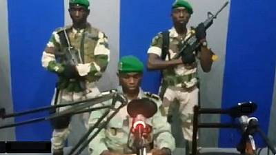 Des militaires diffusent un message de soulèvement national à la radio — Gabon