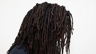 Kenya : une fille rastafarienne exclue de l'école à cause de ses cheveux
