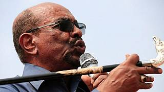 Bashir 'backs' frustrated young Sudanese, promises to free journalists