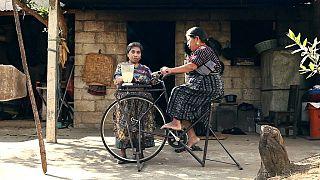 Guatemala : des bicyclettes recyclées en machines à tout faire
