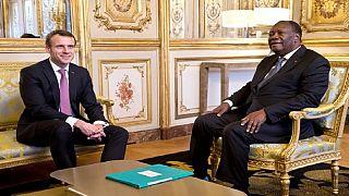 """Reçu par Macon, Ouattara défend le franc CFA, """"une monnaie solide"""""""