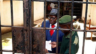 Elections au Zimbabwe : un responsable de l'opposition condamné à une amende de 200 dollars