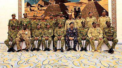 Soudan : le président durcit le ton, les contestataires restent déterminés