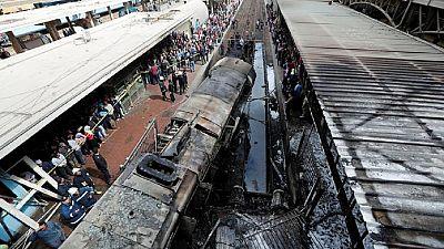 Egypt transport minister resigns after train crash kills 25