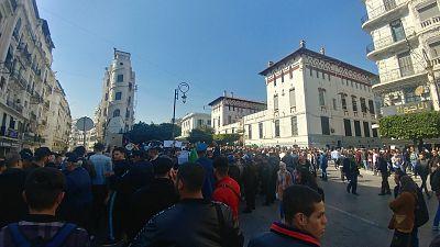 Algérie : manifestation d'une centaine d'étudiants à Alger contre un 5e mandat de Bouteflika