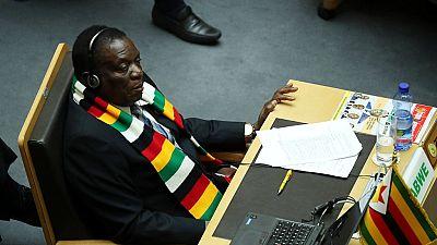 """Le Zimbabwe qualifie de """"parodie de justice"""" la prolongation des sanctions américaines"""