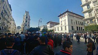 Algérie : nouvelles manifestations prévues, Bouteflika refuse de céder