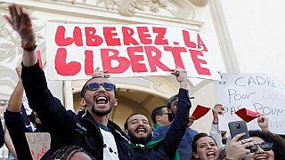 Algérie : les lycéens dans la rue, la grève générale diversement suivie