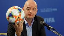 FIFA, Qatar to discuss expanding 2022 World Cup